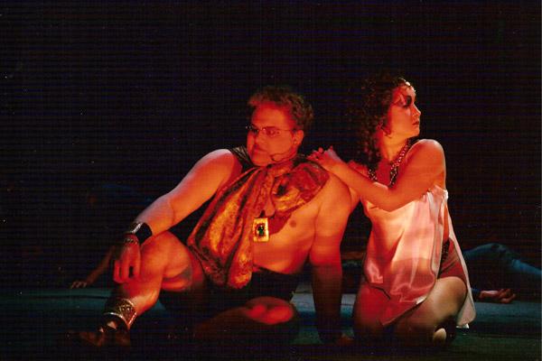 opera-golie-akteri